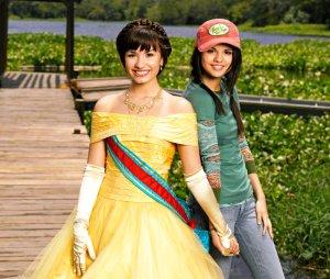 Demi Lovato e Selena Gomez (Clique na imagem para vê-la maior.